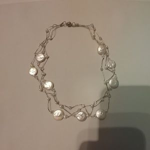 Jewelry - Round pearl chocker